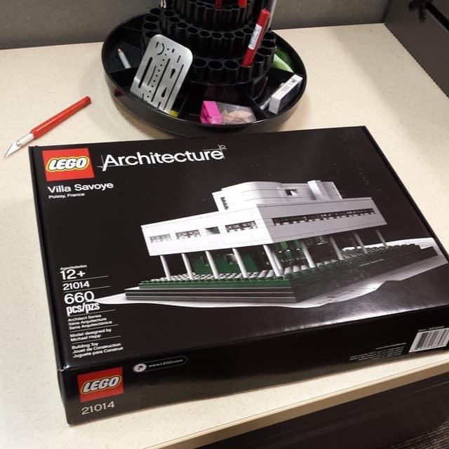 Lego Architecture Villa Savoye Review